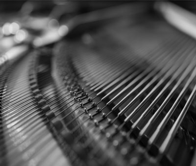 Piano_AdobeStock_254875030_RGB_bw